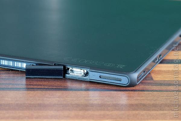 Sony-Xperia-Tablet-Z-micro-usb-und-lautsprecher